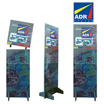 Pannello in laminato con stampa a colori su un lato. Tre tasche in plexiglass per depliant f.to 21x29,7cm. Completamente smontabile. F.to 60x40x180cm. Realizzato in 165 pezzi.