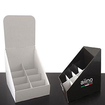 Espositore in cartone ondulato stampato e rivestito. Realizzato con misure speciali, completo di scomparti interni a scaletta ottimizzati per il prodotto