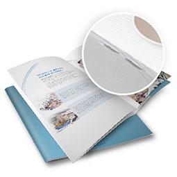 I classici fascicoli con due punti metallici sul dorso, realizza qui il preventivo per la stampa dei tuoi cataloghi, opuscoli, riviste con il più classico sistema di rilegatura, scegliendo tra una vasta gamma di carte.