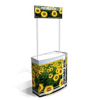 Banchetto portatile  realizzato in plastica ABS e dotato di comoda sacca in Nylon per il trasporto. Dotato di vano posteriore con ripiano  per riporre i prodotti o la sacca.