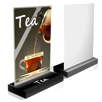 Espositore da banco composto da un cartello verticale ed una base scatolata di sostegno che lo rende adatto anche ad esporre piccoli prodotti da evidenziare con raffinatezza.