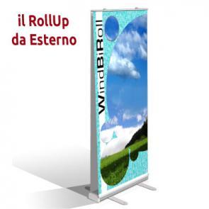 Rollup da esterno Espositore rollup da esterno, la sua base robusta ed ancorabile a terra, insieme ad un sistema di snodi molleggiati, lo rende ideale per un uso in esterno anche con vento medio.
